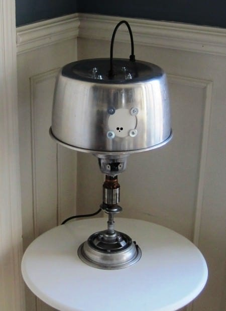 recyclart.org-upcycled-table-lamp