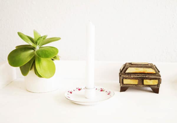Old Saucer Repurposed Into Candleholder Accessories