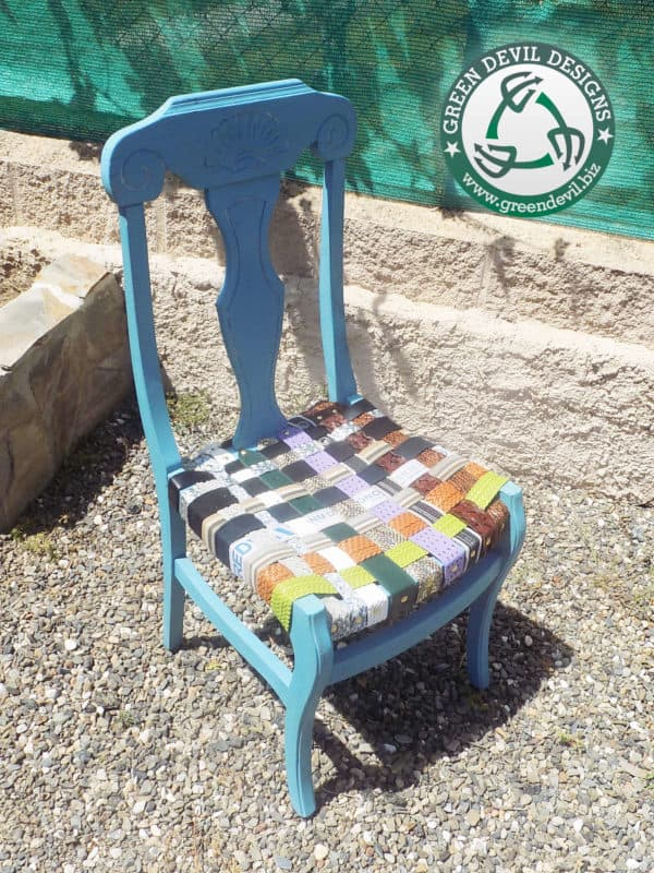 recyclart.org-green-devil-chair-woven-with-upcycled-belts