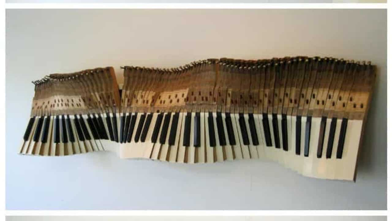 Sound Wave: Sculpture From Old Piano Keys • Recyclart