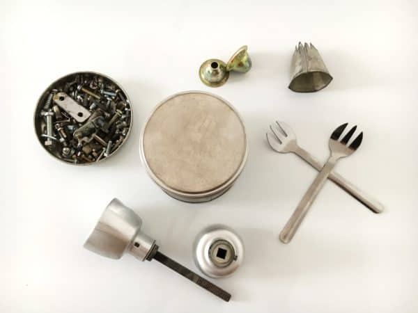 Tutorial: Make Your Own Reused Tin Robot Easily Recycled Art