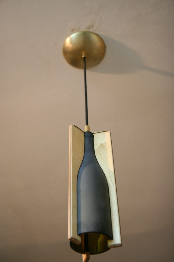recyclart.org-recycled-wine-bottle-hanging-light2