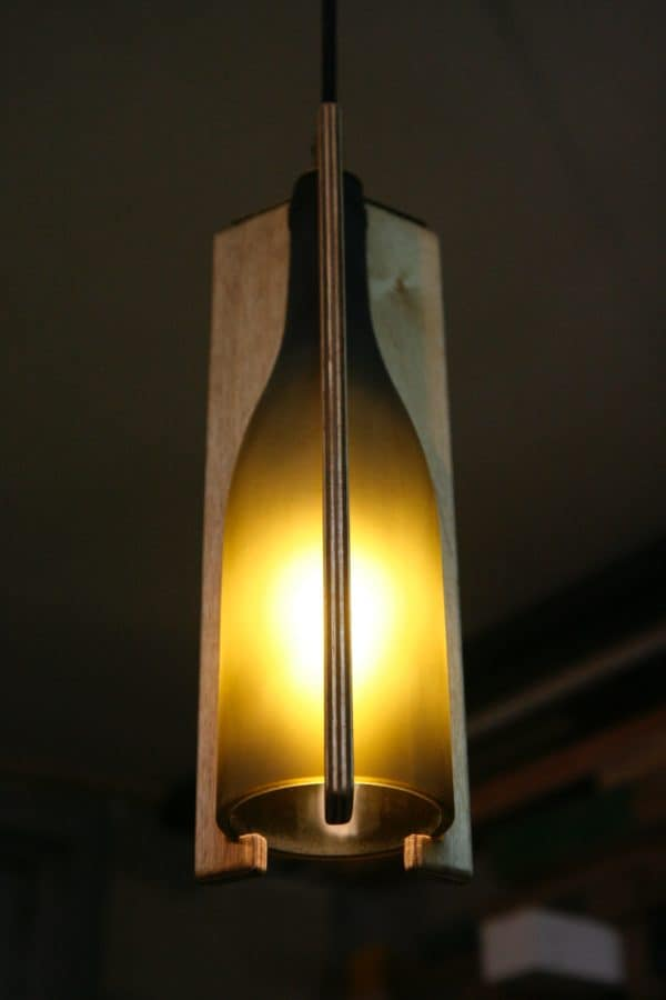 recyclart.org-recycled-wine-bottle-hanging-light
