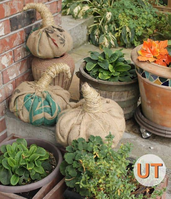 recyclart-org-5-great-upcycled-pumpkin-ideas-for-this-halloween-04
