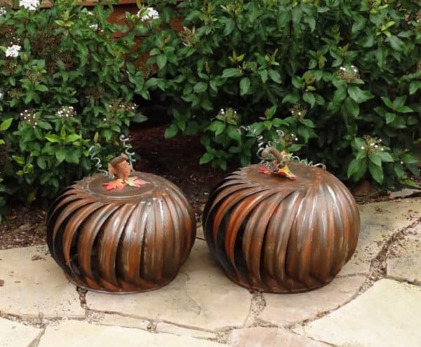 recyclart-org-5-great-upcycled-pumpkin-ideas-for-this-halloween-06