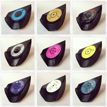 "Upcycled Vinyl 7"" Into Single Phone Stands"