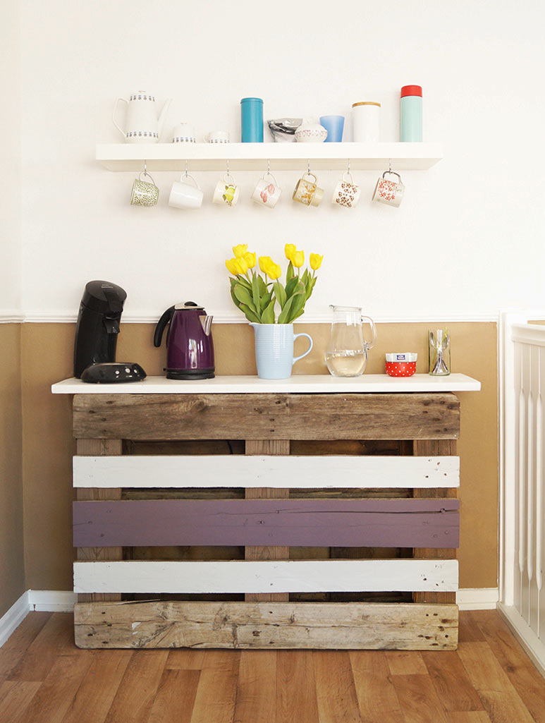 diy pallet coffee bar recyclart. Black Bedroom Furniture Sets. Home Design Ideas