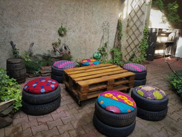 Easy Tire Poufs Recyclart