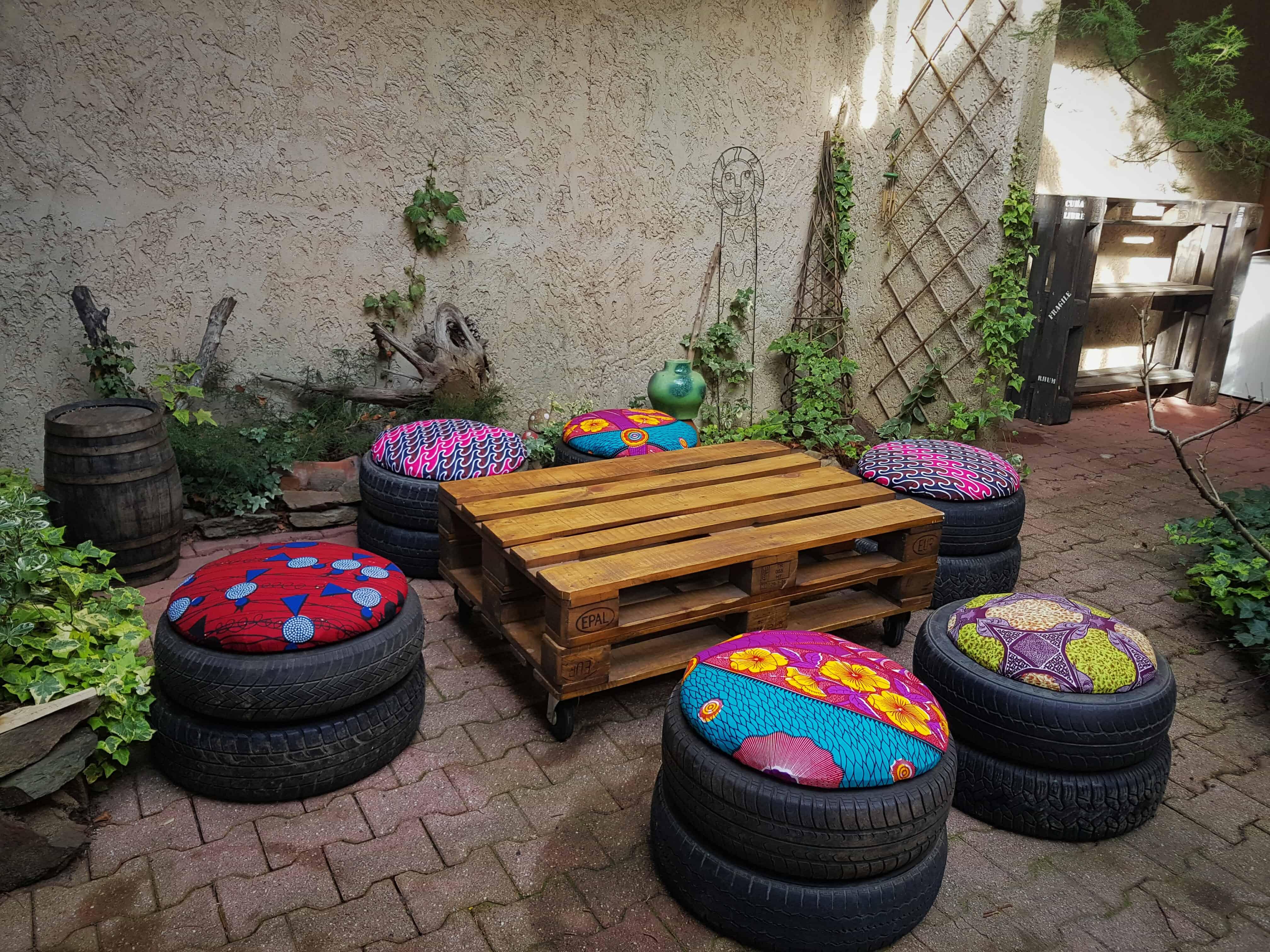 Easy Tire Poufs Recyclart