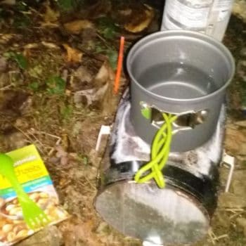 Upcycled Camping Rocket Stove Using Cans / Campingofen Aus 5l Bierfass