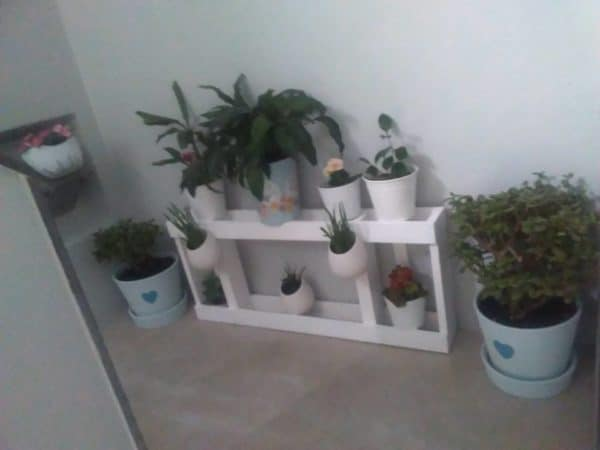 Urban Pallet Wood Plant Stand: Great For Small Spaces Do-It-Yourself Ideas Garden Ideas Recycled Pallets