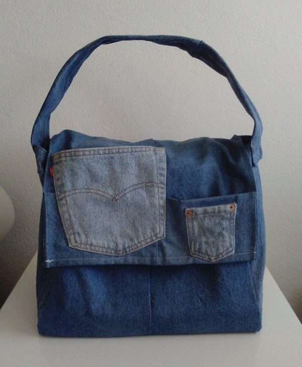 Project Ideas June #4: Levi Strauss Jeans become handbags.