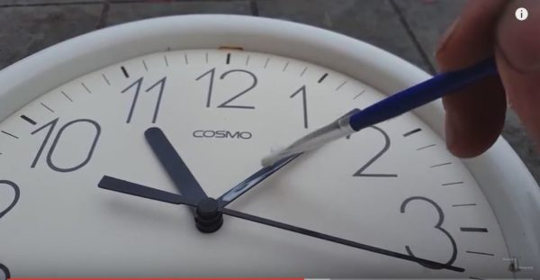 Diy Video Tutorial: Rust-oleum Glow-in-the-dark Clock Do-It-Yourself Ideas Home & décor Recycled Plastic