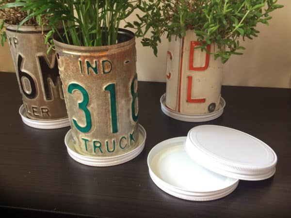 Turn Old Plates Into License Plate Planters Garden Ideas Recycling Metal