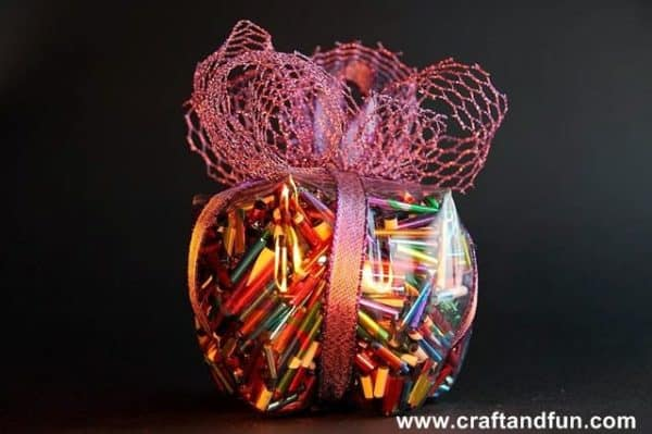 Christmas Decorations include clever gift packages by upcycling plastic bottles.
