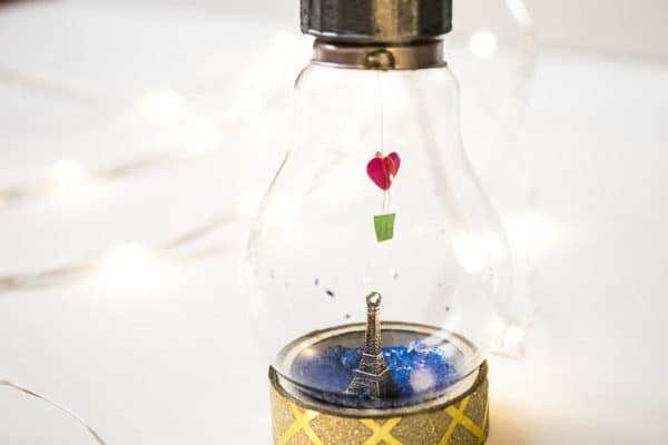 Lightbulb Miniature Valentine's Day Diy Idea! Do-It-Yourself Ideas Recycled Glass