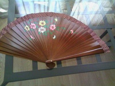Fan-tastic Upcycling Idea: Repaired Fan Gains New Stylish Life Accessories Home & décor