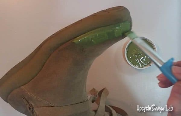 Shoe Painting is a great way to upcycle shoes.