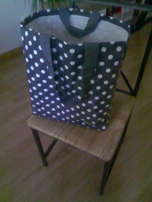 Sturdy Shopping Trolley Using Upcycled Plastic Container