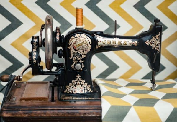 Diy: Cleaning up Your Vintage And/Or Antique Sewing Machines Do-It-Yourself Ideas