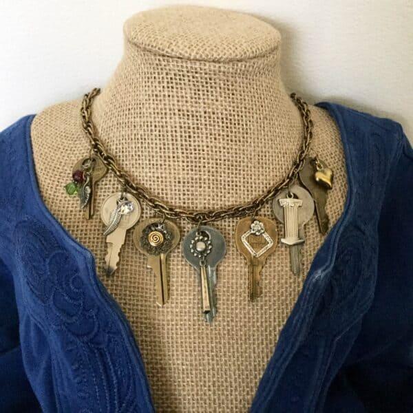Repurposed Keys Make A Fashion Statement Upcycled Jewelry Ideas