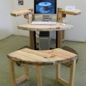 Cable-Reel-Desk-in-use