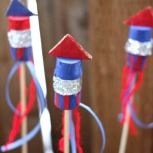 Last-Minute-Recycled-Fourth-Of-July-Craft-For-Decor-Trashy-Crafter