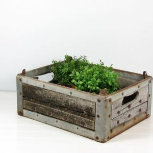 Milk crate planter 01