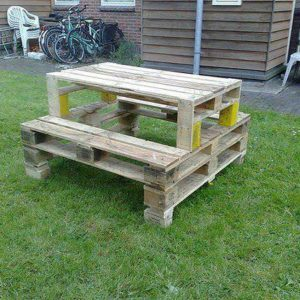 camping-table-from-pallet