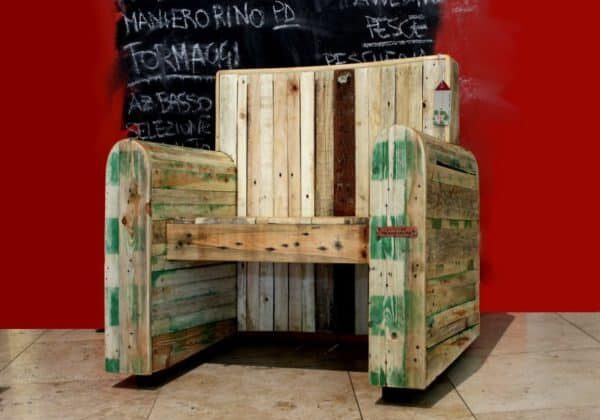 kingchair_by_redolab