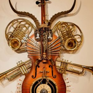 recyclart.org-concerto-grosso-nuovo-sculpture-on-a-cello-01
