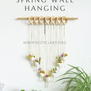 DIY Seasonal Spring Wall Hanging