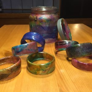 recyclart.org-jar-of-bracelets