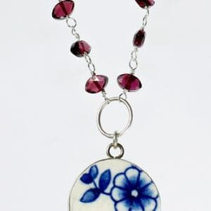 recyclart.org-pottery-shard-jewellery-bezeled-flower-pottery-shard-garnet-necklace