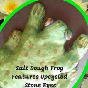 recyclart.org-salt-dough-frog-features-upcycled-decorative-stone-eyes-01